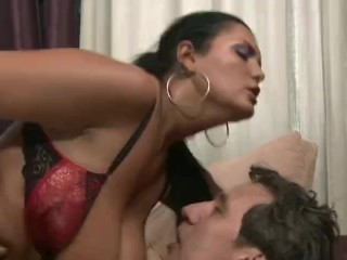 Chunky Latino dam Makes parent To squeal With delectation Analdin 02.11.2017 sextube
