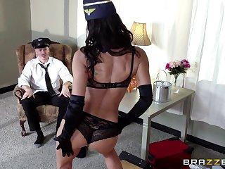 Nasty cum in mouth ending to morning sex in MILF Lezley Zen