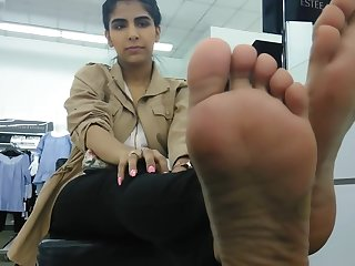 arab sexy hands