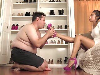 Empress Jennifer shoe flakes