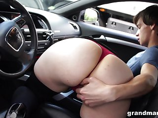 Bootylicious mature wholesale sucking hitchhiker's cock adjacent to her car