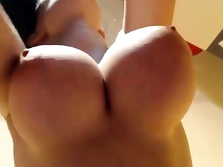 Amateur Wow Her Tits Are Amazing