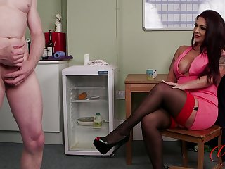 Rara Turns enjoys watching her abettor lash his pecker